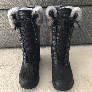 UGG Adirondack Boots Size 6